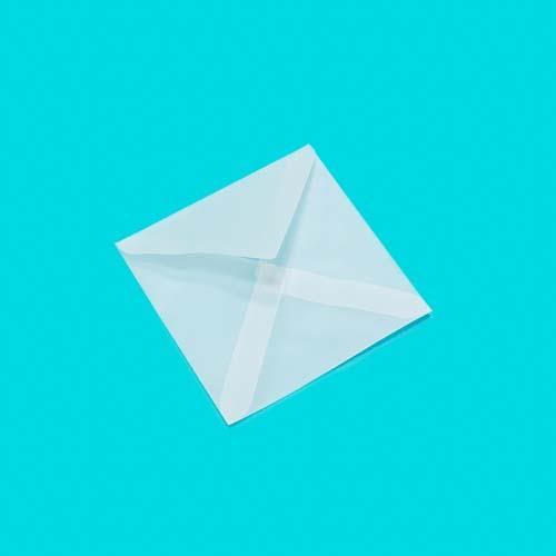 Фото товара Конверт из кальки 75х75мм треугольный клапан